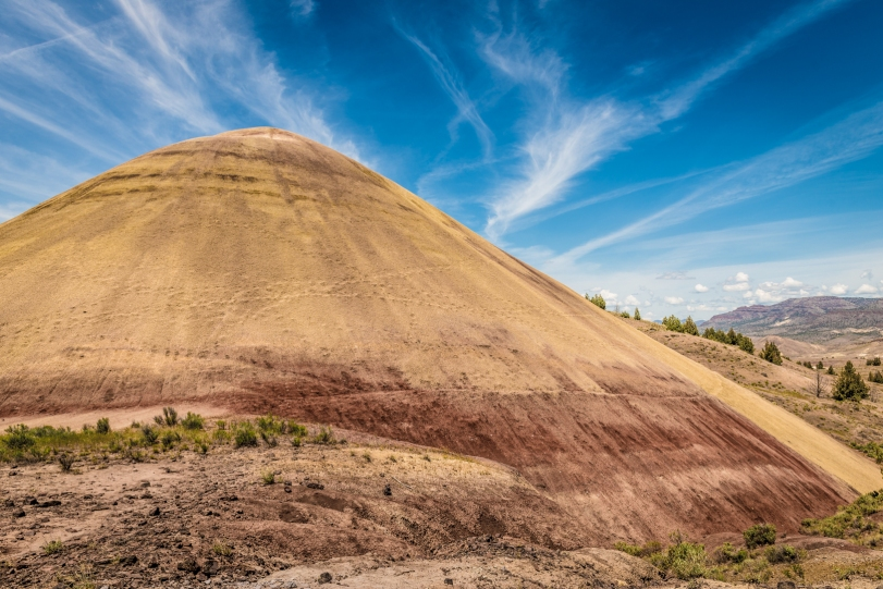 The Painted Hills - Red Scar Knoll Trail
