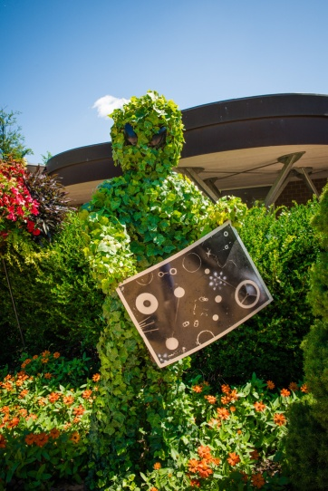 Alien Topiary
