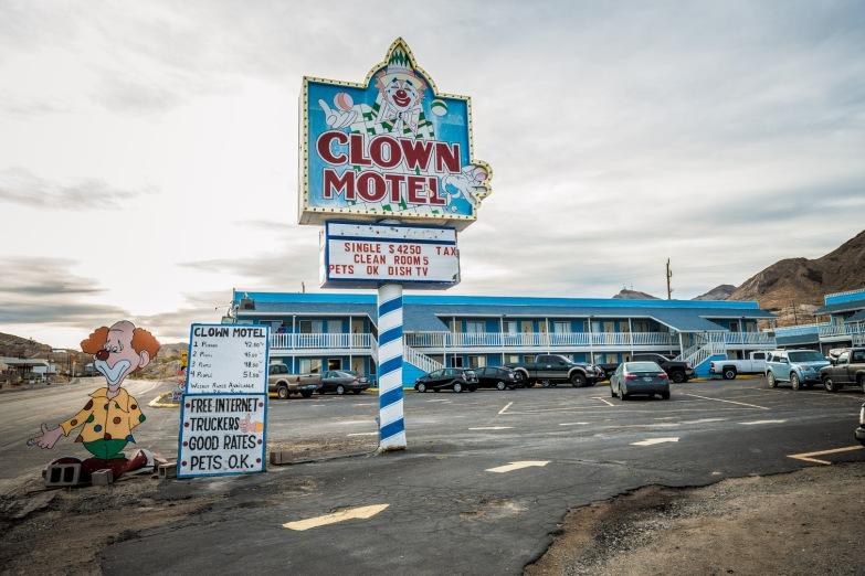 bodie-mono-lake-clown-motel-140
